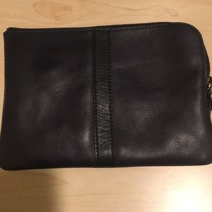 Madewell - The Zip Pochette in true black